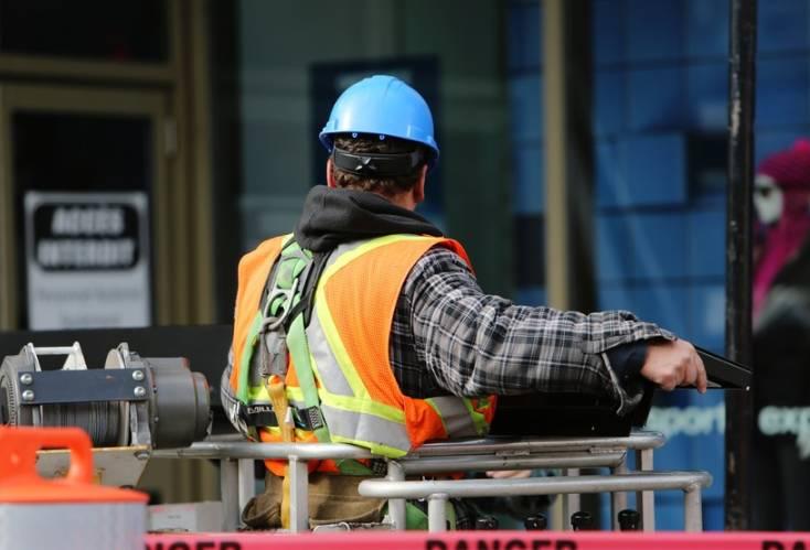 Jak wybierać usługi budowlane